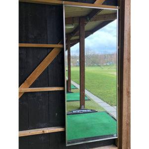 an Holzwand montierter Range Spiegel von Imax - DU42230